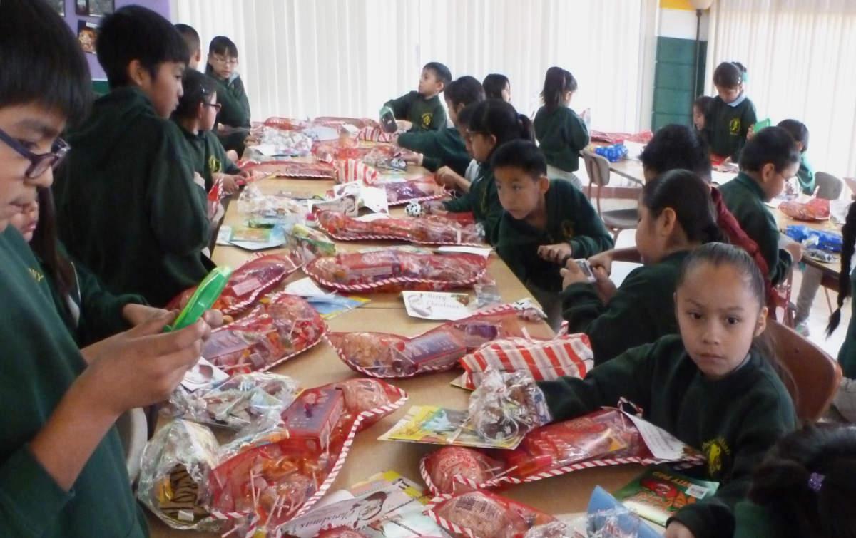 Zuni School Cafeteria Pre Covid